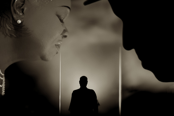 visuel image du vidéo clip Lui et la Rose, permettant d'accéder à la galerie vidéo du site