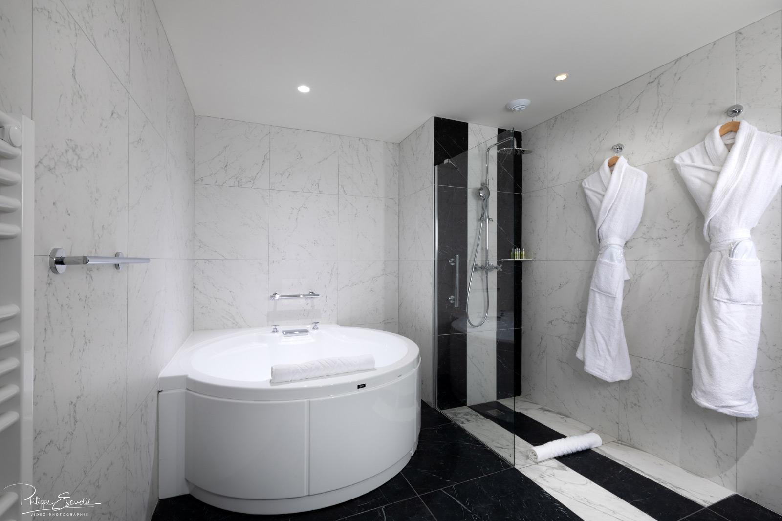 Salle De Bain Couloir Plan ~ Philippe Escudi S Ance Photo Pour L H Tel Hilton De Carcassonne